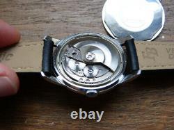 Belle montre suisse Rila automatique. 25 rubis. Révisée