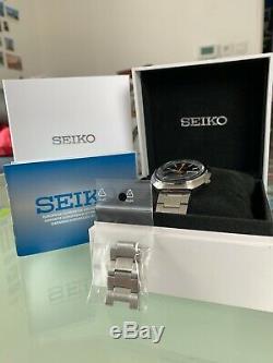 Montre Automatique Seiko Srpc11k1 UFO Calibre 4R36 presque neuf