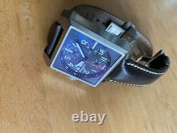 Montre Fortis Square automatique, boucle déployante, bracelet cuir