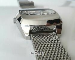 Montre Humbert-Droz HD4 acier mouvement automatique Förster montre à guichet
