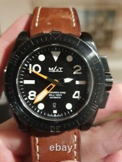 Montre Matwatches militaire M. A. T étanche plongée automatique