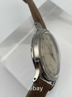 Montre Vintage Automatique Universal Geneve 20207 Bumper 138SS Acier Homme 1950s