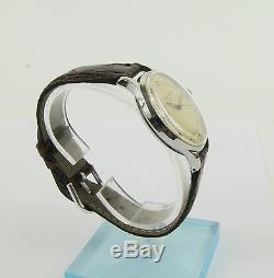 Montre bracelet Jaeger-LeCoultre. Mouvement automatique 476. Vers 1946