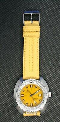 Montre de plongée DOXA 300 T, automatique, cadran jaune Divingstar. Environ 1970
