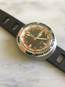Montre de plongee vintage Jaz 200M Automatique Skin Diver AJ210 Fe3612