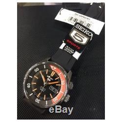 Montre homme automatique Seiko 5 Sports Automatico SRPB31K1 Black Dial Rubber