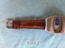 Montre vintage marque invicta automatique, fonctionne année 71. Bracelet cuir
