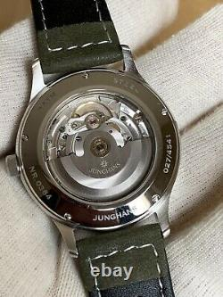 Superbe Montre Junghans Attache Automatique ETA 2824.2 Custom Made Unique